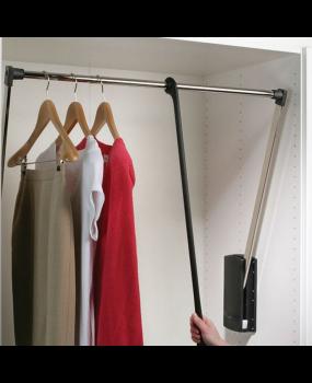 Ασανσέρ ντουλάπας για ευκολία στο κατέβασμα των ρούχων